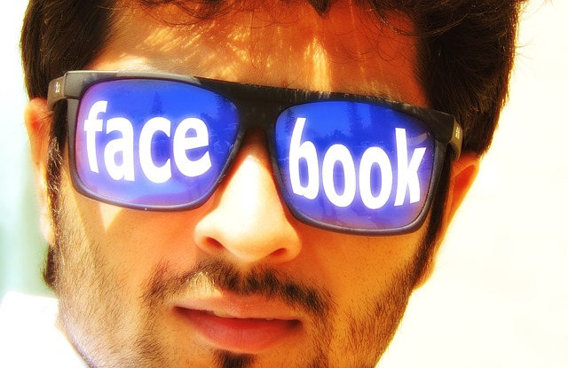 Facebookサングラス