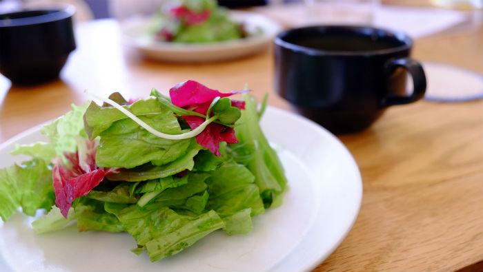 スモーブローキッチン サラダ
