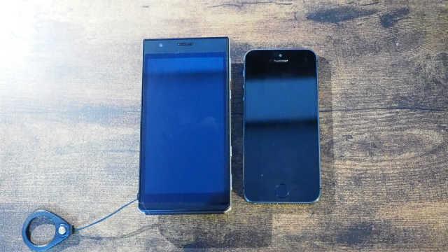CM10 iPhone5sとの比較