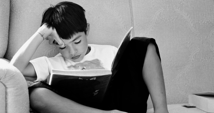 勉強している子ども