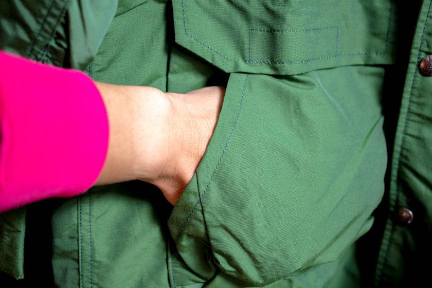 シェラデザインズのマウンテンパーカーのポケット
